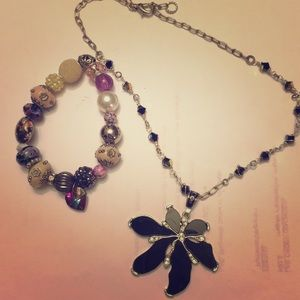 Jewelry - 🌸One necklace and one bracelet.